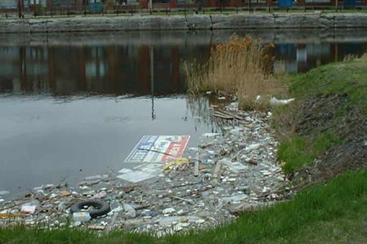 Water pollution in Montreal USA.
